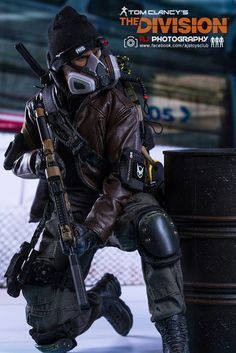 Have you ever heard of Tom Clancy's The Division Action Figures ? The game character design is prett. Tactical Clothing, Tactical Gear, The Division Cosplay, Tom Clancy The Division, Military Action Figures, Tac Gear, Game Character Design, Body Poses, Toy Soldiers