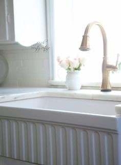 Farmhouse Sink Love -  Oh beautiful farmhouse sink...         With all your classic charm and style and pretty apron front...