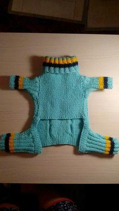 Bilde Crochet Dog Sweater, Dog Sweater Pattern, Dog Pattern, Small Dog Clothes, Pet Clothes, Pet Sweaters, Dog Clothes Patterns, Dog Dresses, Dog Coats