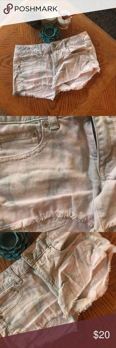Very light blue tie dye American eagle shorts Size 6. Very light tie dye American eagle size 6 shorts American Eagle Outfitters Shorts Jean Shorts