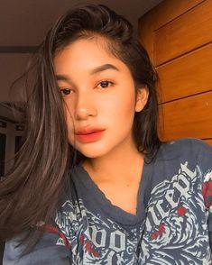 Selfie Tips, Selfie Ideas, Filipina Beauty, Cute Art Styles, School Makeup, Indonesian Girls, Insta Photo Ideas, Meme Faces, Girl With Hat