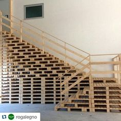 #repost @rogalegno . #pallet #stairs