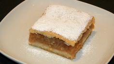 PLACINTA DE MERE CU FOI DE CASA - Retete Haplea Apple Season, Romanian Food, Dessert Recipes, Desserts, Something Sweet, Vanilla Cake, Cheesecake, Food And Drink, Sweets