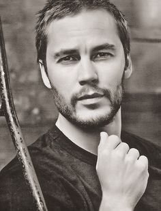 Taylor Kitsch... thanks for being so beautiful.