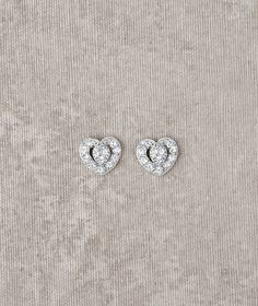 Hey there, ladies! Looking for a bit of bling to accompany your wedding gown? How about these little beauties? If you are interested in something else, keep your eyes peeled for more ideas! There are always other options.