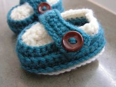 Ravelry: Snuggly Wuggly Booties pattern by Loops & Threads™ Design Team