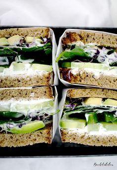 Volle Stulle: Wir starten mit einem Happy-Healthy-Green-Sandwich in die neue Woche – Das Backstübchen · Cupcakes · Törtchen · Schönes Leben
