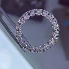 6762a2dcf7890 U prong diamond eternity ring by David   Co Jewelry Acessórios Da Jóia, Anel  De