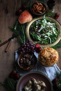 recipes drinks Game of Thrones: Summer Greens Salad - Feast of Starlight Game of Thrones: Summer Greens Salad - Feast of Starlight Game Of Thrones Food, Game Of Thrones Party, Crab Pie Recipe, Oxtail Soup, Crudite, Green Salad Recipes, Recipe Today, Food Inspiration, Business Inspiration