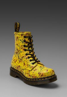 DR. MARTENS 8-Eye Boot in Sun Yellow -