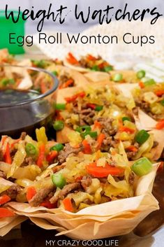 These Egg Roll Wonton Cups are a delicious egg roll wrapper recipe like a mini egg roll in a bowl! This light phyllo dough appetizer recipe can be made in the Instant Pot slow cooker or stove top. Light Appetizers, Healthy Appetizers, Appetizer Recipes, Healthy Recipes, Free Recipes, Phyllo Recipes, Wonton Recipes, Weight Watchers Appetizers, Weight Watchers Meals