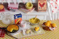 Miniature Making Cornbread Set por CuteinMiniature en Etsy