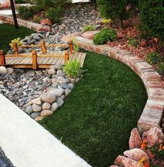 Dry river bed landscaping ideas: wooden bridge in your dry river bed Interested in renovating your garden? Nothing is more stunning than these dry river bed landscaping ideas. Read on, get inspired, and learn how! Cheap Landscaping Ideas, Landscaping With Rocks, Backyard Landscaping, Landscaping Design, Modern Landscaping, Backyard Ideas, Dry Creek Bed, Dry River, Garden Landscape Design