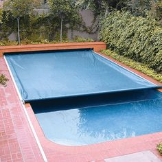 Small Backyard Pools, Small Pools, Swimming Pools Backyard, Swimming Pool Designs, Pool Landscaping, Swimming Ponds, Landscaping Design, Retractable Pool Cover, Gardens