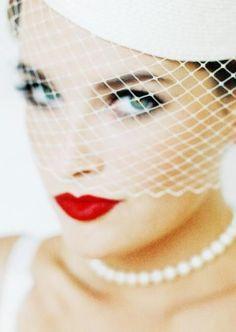 Bride cage veil and pearls, beautiful! Retro Wedding:: Vintage Bird Cage Veil