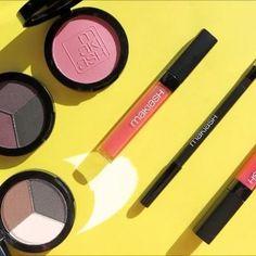 Hope you all are having colorful Saturday!!!🍭🍭🍭 @makiash Eyeshadow trio in  Dark Mystery  Desert Storm  Blush in Pale Pink Eye pen in 3 Deep Brown  Lipglosses in  13 Shimmering Nectar  14 Cream Raspberry  #everythingbrightandshinny #makeup#makeupartist #makeupaddict #makeuplover#makeupjunkie #mua #girl#fun#happy#saturday #fall#smink #kosmetik #natural #purple #eyeshadow #höst #lördag #lips #eye#pen#makiash#blush#rouge #pink#pr #presskontakterna #tryingnewthings #new…