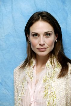 Great collection of Claire Forlani photos. Hottest Female Celebrities, Celebs, Claire Forlani, Most Beautiful Eyes, Absolutely Gorgeous, Cycle Chic, Beauty Women, Beauty Girls, Classic Beauty
