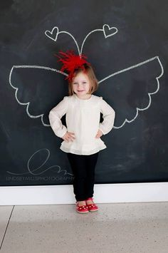 ]:[ simple way. how to pose a child Kid Poses, Cute Poses, Valentine Mini Session, Valentines, Cadeau Parents, Passion Photography, Fathers Day Cards, Jolie Photo, How To Pose