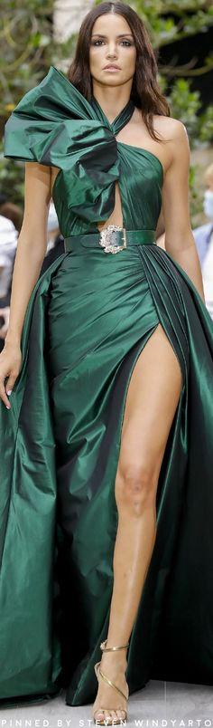 Couture Fashion, Fashion Show, Fashion Design, Fashion Trends, Women's Fashion, Zuhair Murad, Couture Collection, Beautiful Gowns, Editorial Fashion