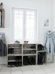 Mias Interieur: Schoenenrek van houten kratten