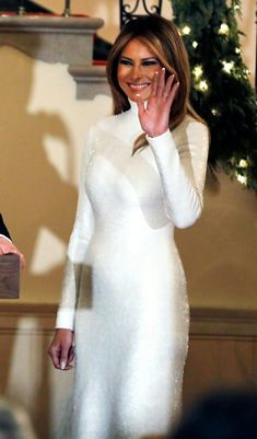 First Lady Melania Trump made an appearance in a Delpozo midi dress on Sunday, August 20 — see more of her most stylish looks here Donald And Melania Trump, First Lady Melania Trump, Donald Trump, Trump Melania, Milania Trump Style, Divas, Looks Party, Trump Is My President, Moda Paris