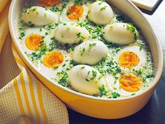 Eier in Schnittlauchsoße Our popular recipe for eggs in chive sauce and more than more free recipes on LECKER. Alcohol Recipes, Egg Recipes, Sauce Recipes, Dinner Recipes, Free Recipes, Snacks Recipes, Grilling Recipes, Crockpot Recipes, Cooking Recipes
