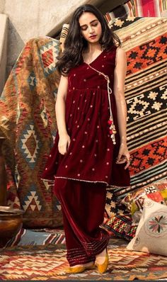 Pakistani Fancy Dresses, Pakistani Fashion Party Wear, Pakistani Wedding Outfits, Pakistani Dress Design, Stylish Dresses For Girls, Stylish Dress Designs, Simple Dresses, Frock Fashion, Fashion Dresses