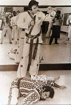 """Elvis """"Karate"""""""