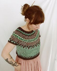 Soldotna Crop pattern by Caitlin Hunter Knitting Blogs, Sweater Knitting Patterns, Knit Patterns, Owl Sweater, Cropped Sweater, Pullover Sweaters, Knit Sweaters, Sport Weight Yarn, Linen Dresses