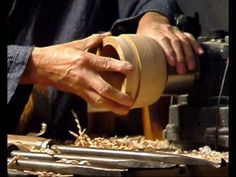 Yasuhiro Satake Japan 2007.wmv  Woodturning....cutting inside of bowl opposite to American turners.  Very interesting chisels and technique.