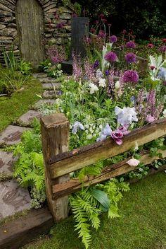 Shed diy - beautiful small cottage garden design ideas 200 n Unique Garden, Diy Garden, Shade Garden, Dream Garden, Garden Projects, Spring Garden, Winter Garden, Garden Diy On A Budget, Garden Kids