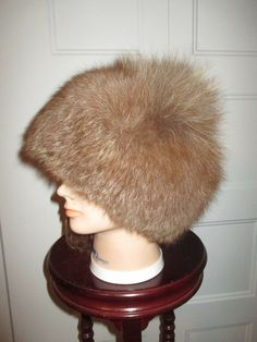 8dee218b048dcd Made of natural fox fur, thick and warm. Use a tarp on the top of the hat  to keep it warm.
