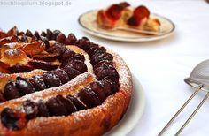 Zwetschgen-Schneckenkuchen mit Nüssen und Marzipan
