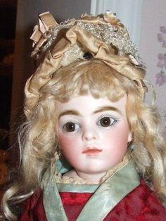 """Antique silk hat from 14"""" Bebe Bru's trousseau from littledollings on Ruby Lane"""