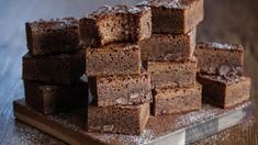 Melkesjokolade-brownies   Godt.no Krispie Treats, Rice Krispies, Snack Recipes, Snacks, Brownies, Baking, Desserts, Food, Cakes