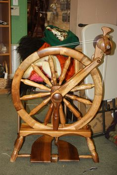 Be still my spinning heart….Looks like a Magnus Spinning Wool, Hand Spinning, Spinning Wheels, Purple Heart Wood, Spin Me Right Round, Weaving Yarn, Drop Spindle, Yarn Bowl, Craft Work