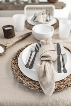 No matter how big or small the meal may be, something beautiful on the table makes it a little more special. Linen napkins, linen tablecloths, linen runners and linen placemats available in more than 12 colors >>