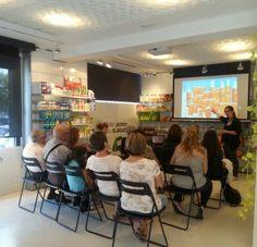 Hoy en Mentha Aquatica hemos ofrecido una charla sobre protección solar.   Información, consejos y dudas relacionadas sobre como actuar frente al sol.  ¡¡¡¡Muchas gracias por participar!!!  ¡¡Aquí os dejo un recuerdo!