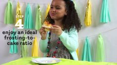 Check out this adorable video about the best way to eat a #cupcake. We prepared 30 #cupcakesforkids that are super #easy to make!