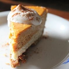 This is a cross between pumpkin pie and cheesecake. There's a digestive biscuit base, a plain cheesecake layer, then a pumpkin cheesecake layer on top. Brownie Desserts, Oreo Dessert, Mini Desserts, Coconut Dessert, Pumpkin Dessert, Just Desserts, Dessert Recipes, Dessert Table, Double Layer Pumpkin Cheesecake