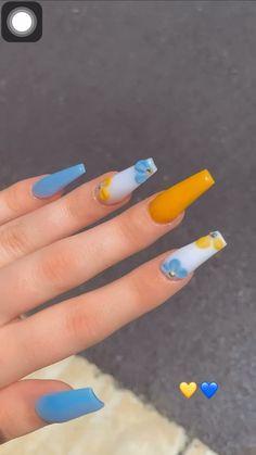 Acrylic Nails Coffin Short, Blue Acrylic Nails, Summer Acrylic Nails, Yellow Nails, Edgy Nails, Us Nails, Bling Nails, Cute Acrylic Nail Designs, Pretty Nail Designs