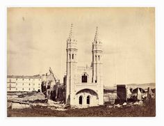 | Mosteiro dos Jerónimos (1869) Old Pictures, Old Photos, History Of Portugal, Places In Portugal, Old City, Vintage Photography, Portuguese, Places To Travel, Taj Mahal