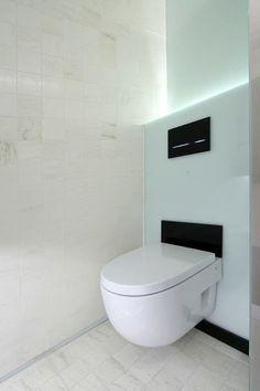 En la reforma de tu baño no puede faltar la integracion de estos sistemas de descarga,dispones de muchos modelos diferentes,entre ellos cisternas empotradas,suspendidas,de cristal,etc. Llamanos e informate!! Visitanos en www.decoespacio.es