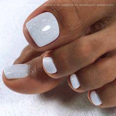 Toe Nails White, Gel Toe Nails, Acrylic Toe Nails, Pretty Toe Nails, Cute Toe Nails, Feet Nails, Fancy Nails, Pedicure Nails, Toe Nail Art