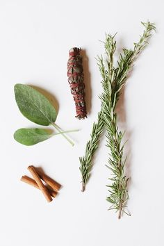 DIY Autumn Smudge Sticks - learn how to make your own bohemian air fresheners with dried flowers like: Lavender, Purple Sage & Sweetgrass. Rosemary, Cinnamon & Sage. Thyme & Cinnamon Sticks.