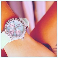 It ´s time to see the world through rose-colored ..watches!😂😍 Lovely pink Jacques Lemans for ladies❤️#www.meetyBRAND.com #meetyBRAND #jacqueslemanscs #jacqueslemans #watches #musthave #watch #style #woman #fashion #ootd