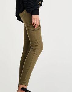 Pull&Bear - woman - clothing - sale favourites - skinny fit cargo trousers - khaki - 09681304-I2017