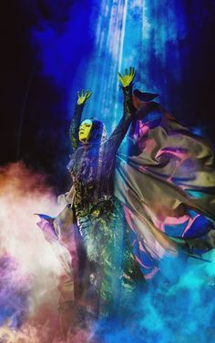 Jennifer DiNoia Wicked West End 2014 || TAKE ME THERE NOW. MY GOSH, THIS IS GORGEOUS.