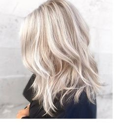 Top 40 Blonde Hair Color Ideas | hair colors | Cool blonde hair ...-Nuances de blond : Want my hair to look like that with the wave (style)-New Design Cool Blonde Hair, Brown Blonde Hair, Pearl Blonde, Blonde Updo, Platinum Blonde, Crazy Curly Hair, Hair Doo, Blonde Balayage, Bayalage