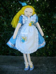 Alice in Wonderland  via  http://www.cuteable.com/